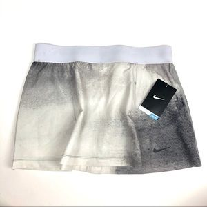 NIKE tennis skirt grey and white layering